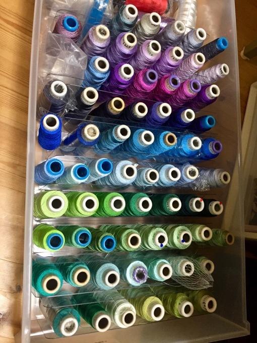 ミシン刺繍糸の整理グッズ?_e0385587_00424601.jpeg