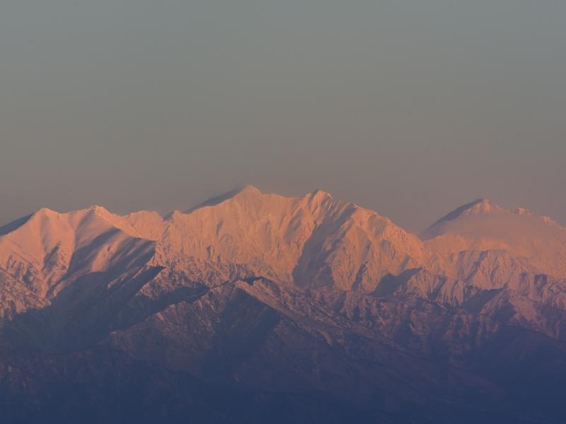 雪の後立山連峰と松本城_a0204089_612012.jpg