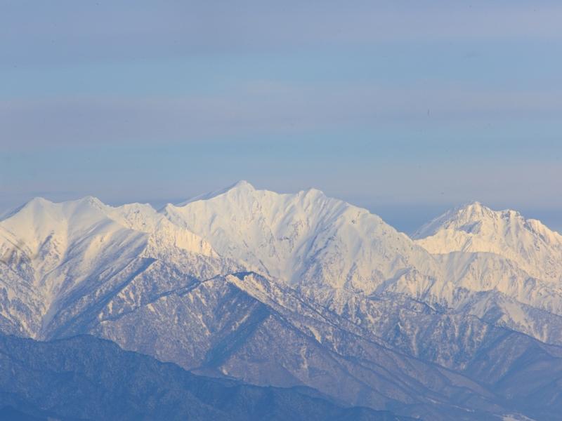 雪の後立山連峰と松本城_a0204089_614834.jpg