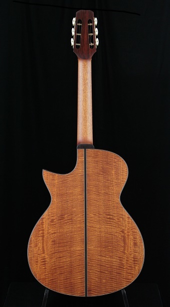 「新作発表」フィールズ 000-SC 12th in Curly Mahogany_d0200414_17084975.jpg