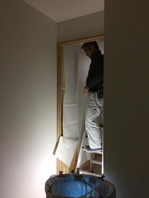 室内と外で仕上げ工事中_a0148909_16075425.jpg