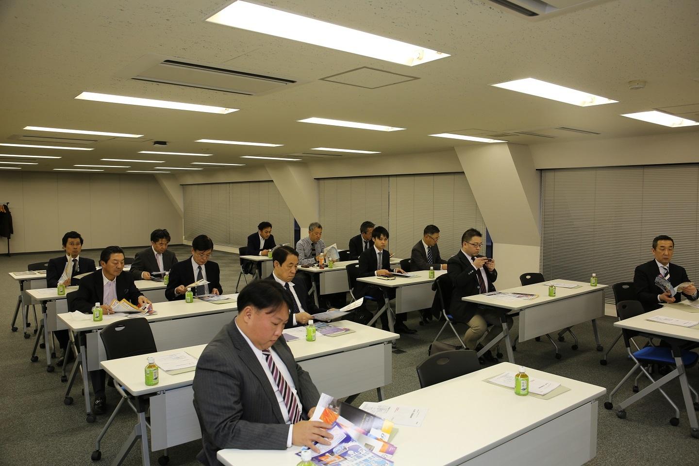 11月の勉強会報告_e0230111_08501164.jpg