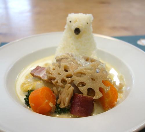 今週(1/17〜)のランチ:【白くまくんのホワイトシチュー】&【根野菜のミートボールシチュー】