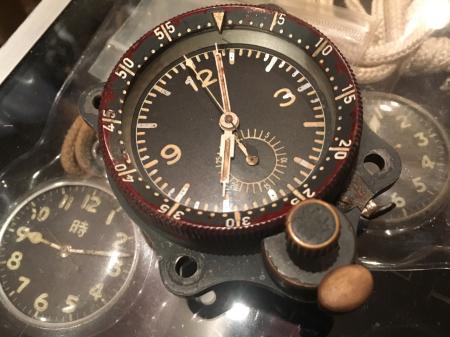 WW2 ナチスドイツ空軍「ルフトバッフェ」航空時計・機内取付型_a0154482_13300241.jpg