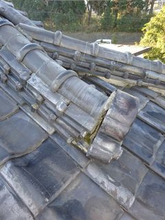 和光市下新倉で雨漏り修理工事_c0223192_16165914.jpg