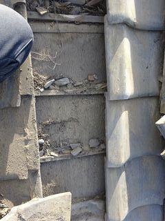 和光市下新倉で雨漏り修理工事_c0223192_16172995.jpg
