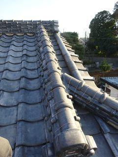 和光市下新倉で雨漏り修理工事_c0223192_16173507.jpg