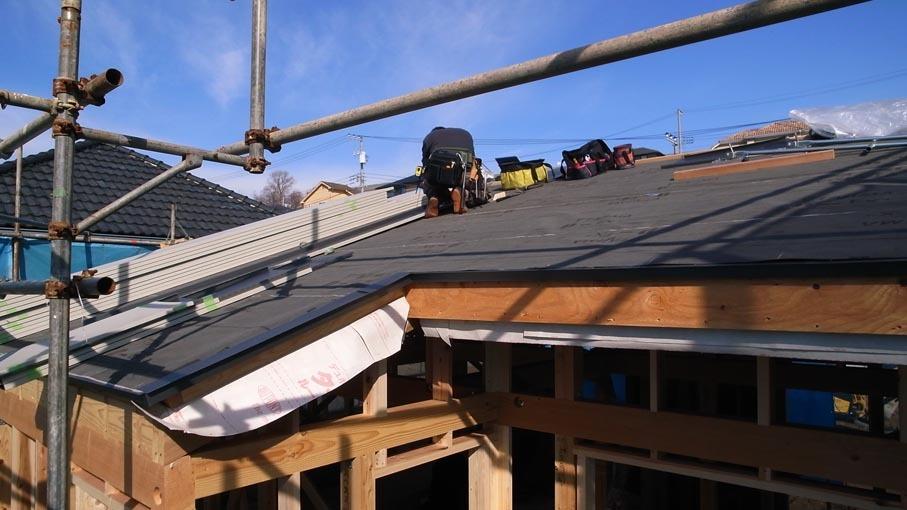 屋根の板金と吹抜_b0061387_16123972.jpg