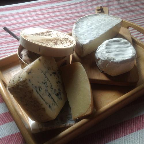 CheeseとWineの4日間 18日〜21日迄_c0315821_09212521.jpg