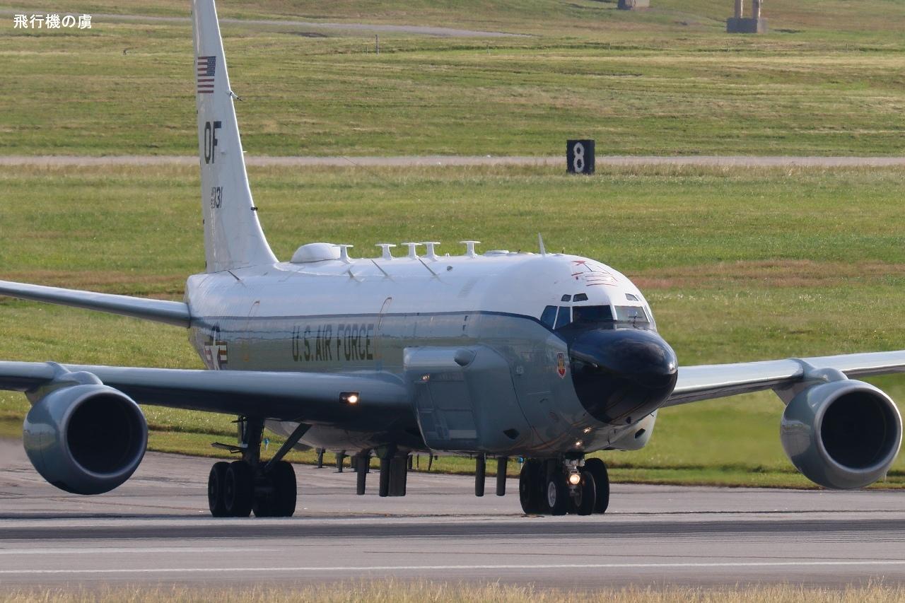 黒光り  RC-135  アメリカ空軍_b0313338_00064594.jpg