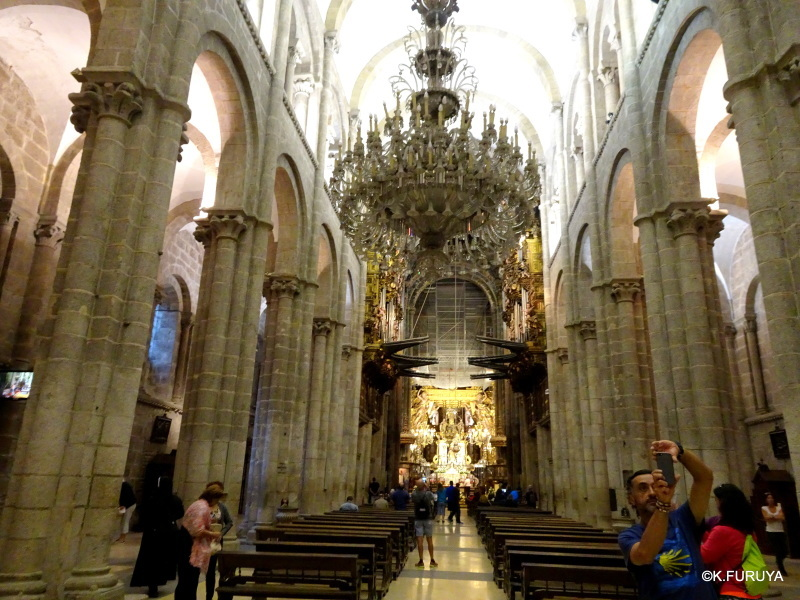 荘厳なサンティアゴ・デ・コンポステーラ大聖堂_a0092659_14272439.jpg
