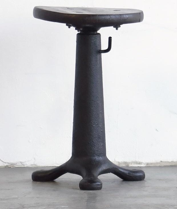 とうとう「 Antique Stool 」が到着しました_d0335577_17592901.jpg