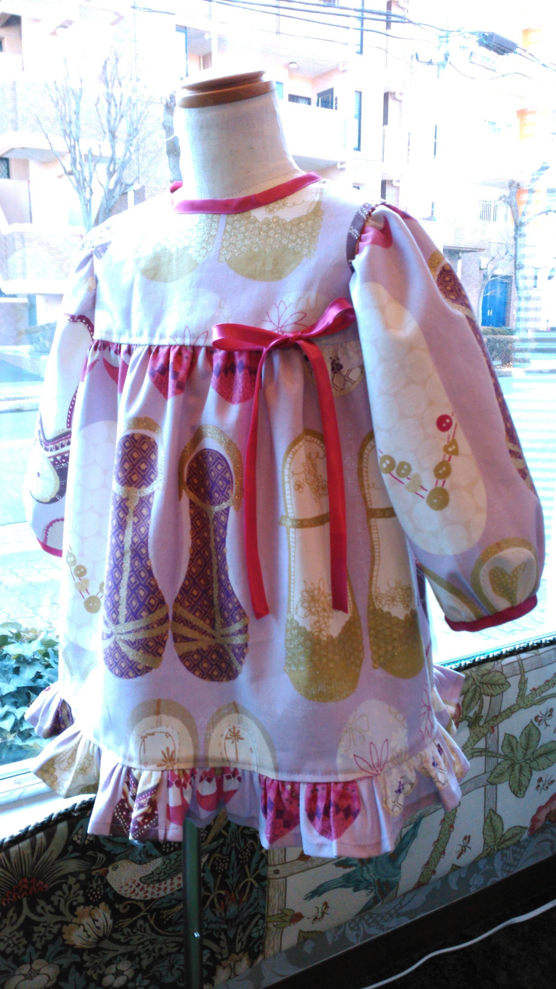 カーテン生地で作る子供服 イギリス『ハーレクイン』_c0157866_12270080.jpg
