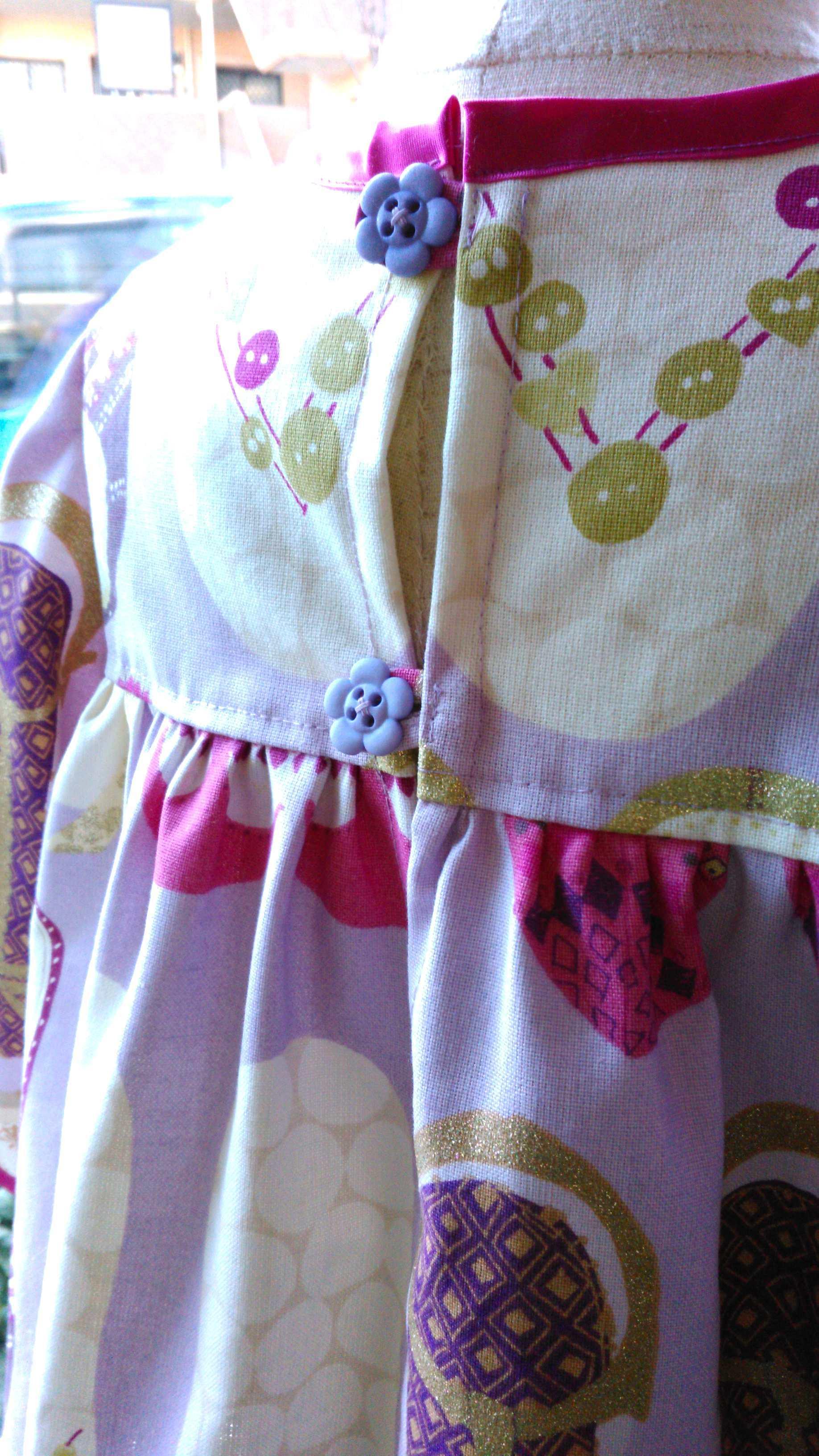 カーテン生地で作る子供服 イギリス『ハーレクイン』_c0157866_12275952.jpg
