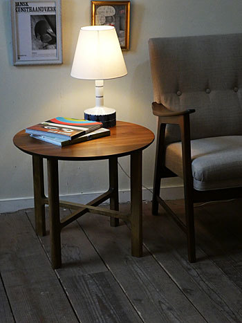 side table_c0139773_18092992.jpg