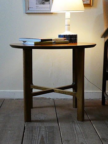 side table_c0139773_18093940.jpg