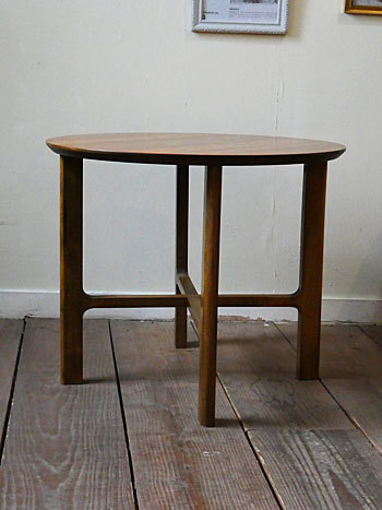 side table_c0139773_18094814.jpg