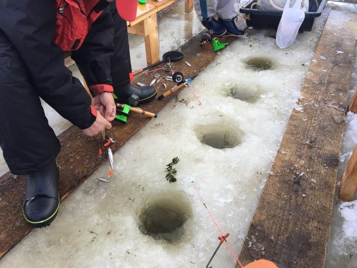 北海道の 氷上ワカサギ釣り !_c0226202_05592610.jpg