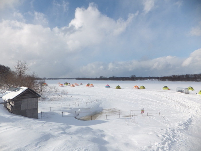 北海道の 氷上ワカサギ釣り !_c0226202_06081472.jpg