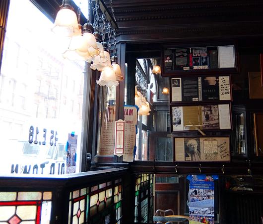 NYを代表する1892年創業の老舗の名店、オールド・タウン・バー(Old Town Bar)_b0007805_10393990.jpg