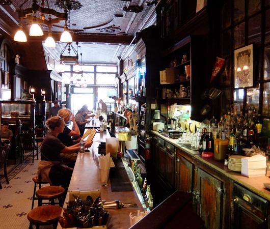 NYを代表する1892年創業の老舗の名店、オールド・タウン・バー(Old Town Bar)_b0007805_10395894.jpg