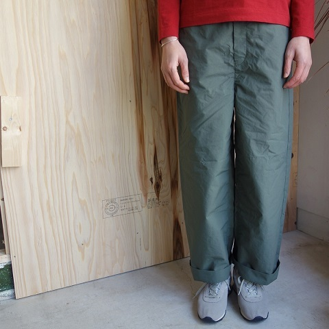 THE NORTH FACE PURPLE LABEL : Mountain Wind Wide Pants_a0234452_19121162.jpg
