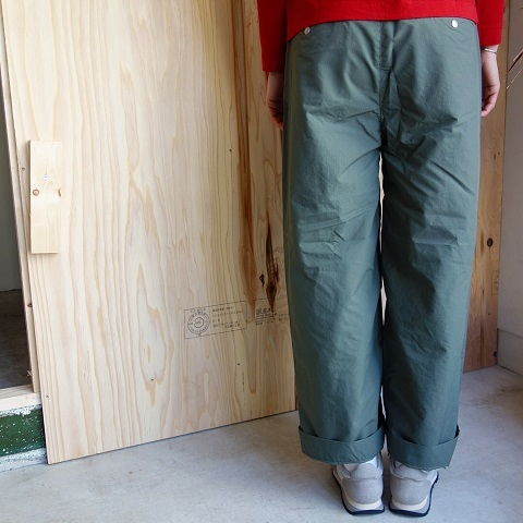 THE NORTH FACE PURPLE LABEL : Mountain Wind Wide Pants_a0234452_19121577.jpg