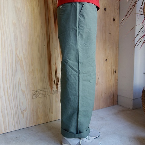 THE NORTH FACE PURPLE LABEL : Mountain Wind Wide Pants_a0234452_19122178.jpg