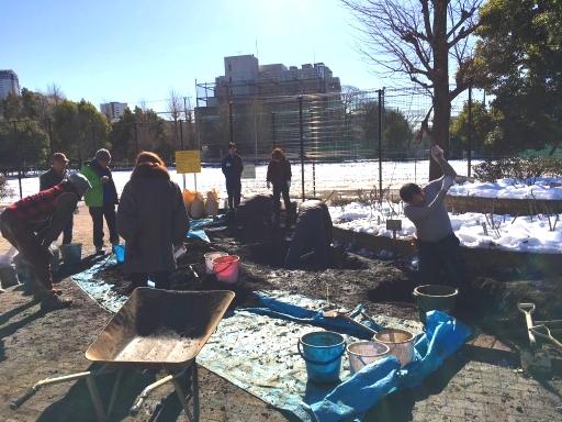 1月25日駒場野公園バラ花壇改修作業_a0094959_22292374.jpg