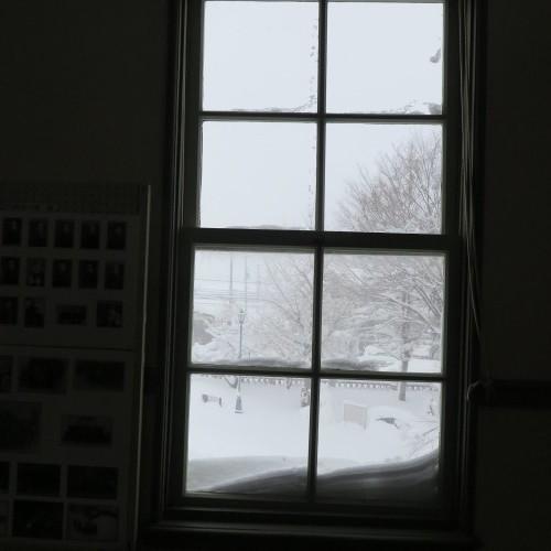 師の教え 想う学び舎 窓の雪_c0075701_11311061.jpg