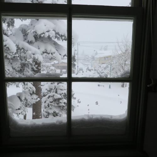 師の教え 想う学び舎 窓の雪_c0075701_11311876.jpg