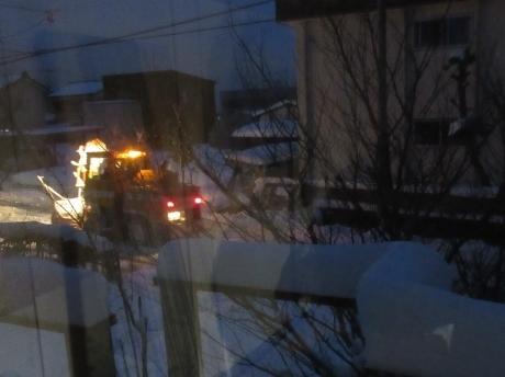 夜明け前の除雪車_a0203003_13511980.jpg