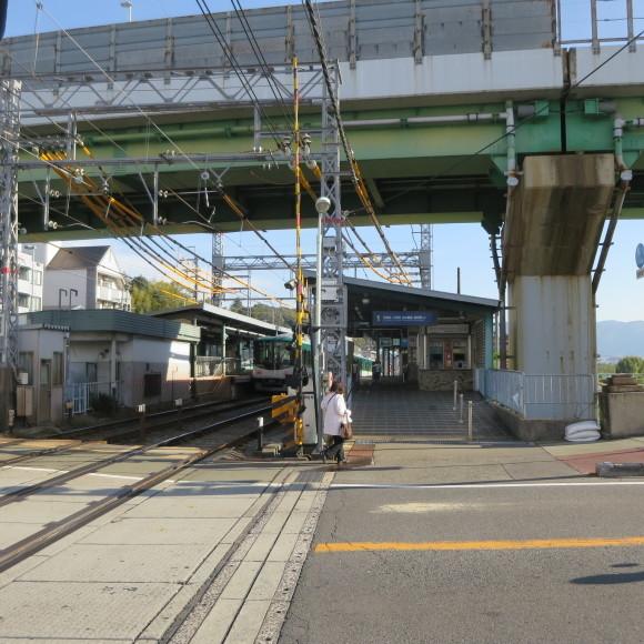 伏見で電車を撮りました。まぁ出来栄えはいつも通りのアレですわ。 京都市伏見区_c0001670_20023164.jpg
