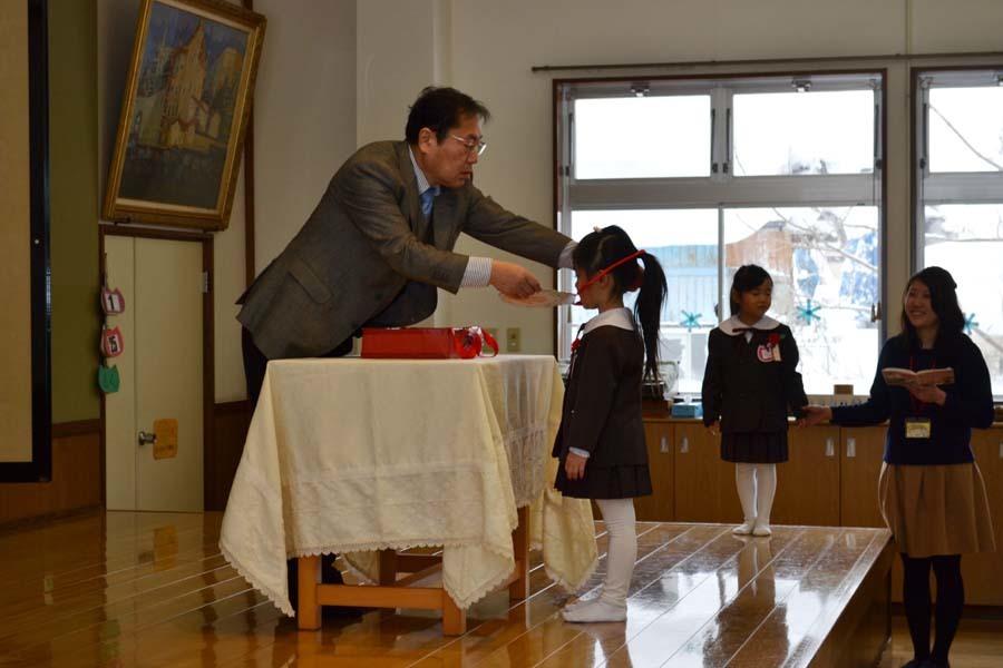 12月・1月生まれお誕生会 第二幼稚園_d0353789_10044901.jpg