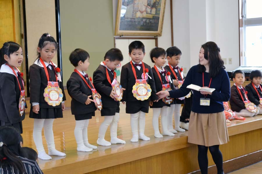 12月・1月生まれお誕生会 第二幼稚園_d0353789_10050888.jpg