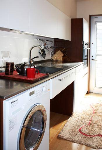主婦の動線を大切にしたオーダーキッチンです。_a0155290_12085512.jpg