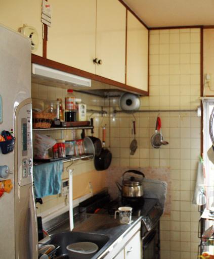主婦の動線を大切にしたオーダーキッチンです。_a0155290_13090488.jpg