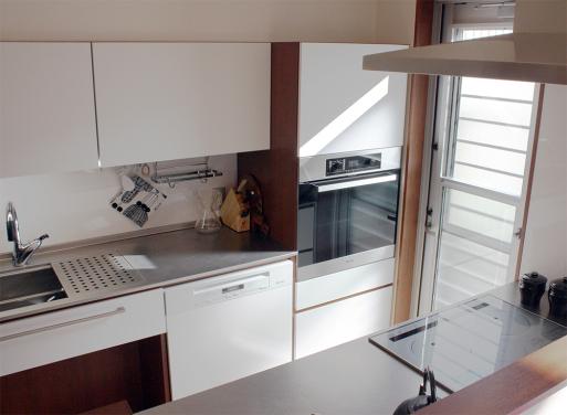 主婦の動線を大切にしたオーダーキッチンです。_a0155290_13565518.jpg