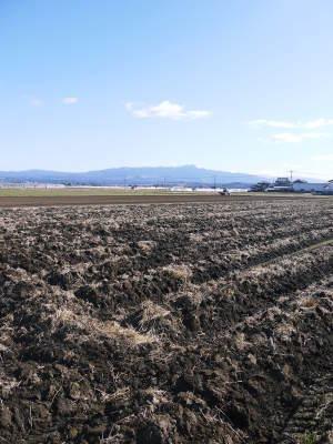 七城米大好評発売中!長尾農園さんは平成30年度の米作りをスタートしました!天地返しの様子(2018後編)_a0254656_17123698.jpg