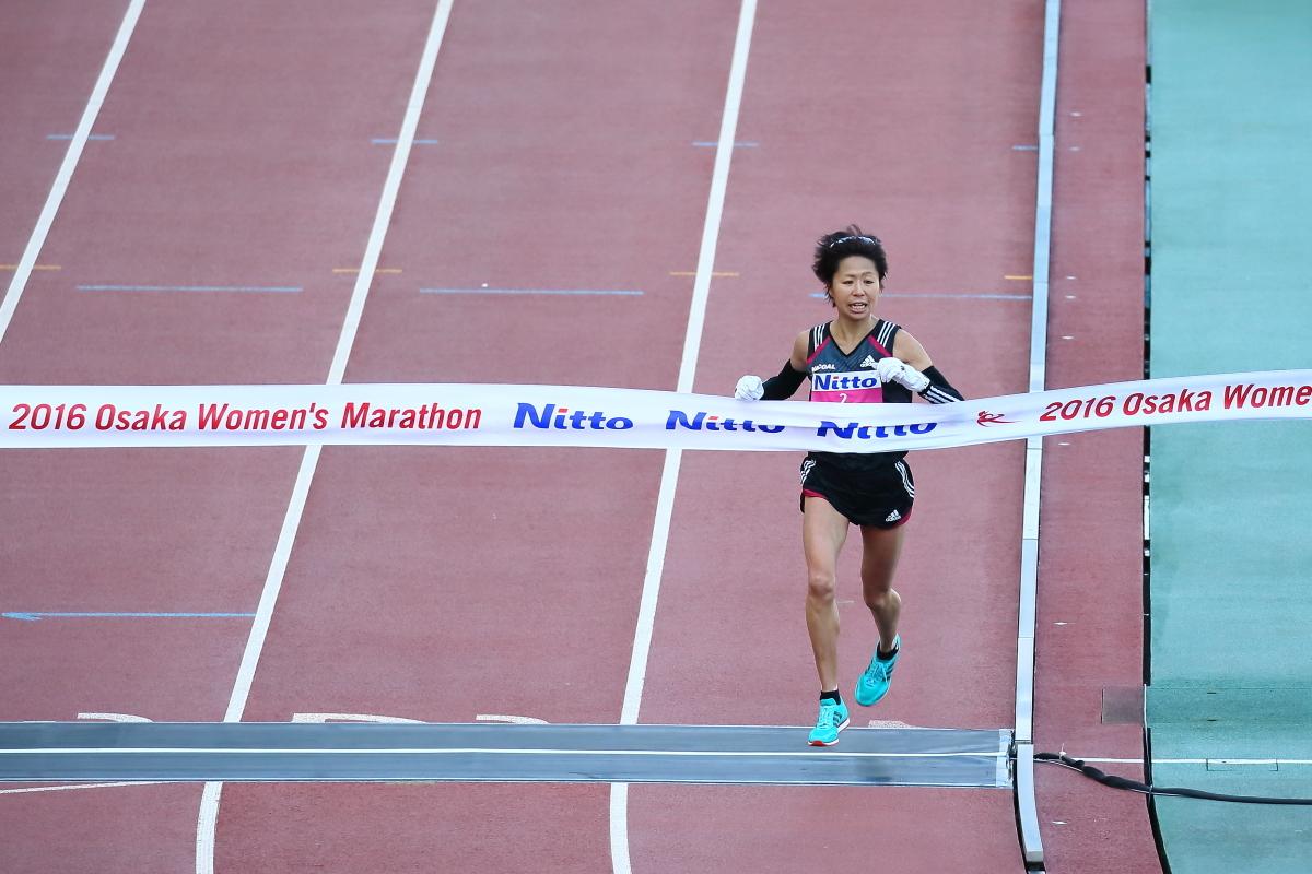 今日は家で観戦かなぁ? 第37回 大阪国際女子マラソン_c0272958_23555816.jpg