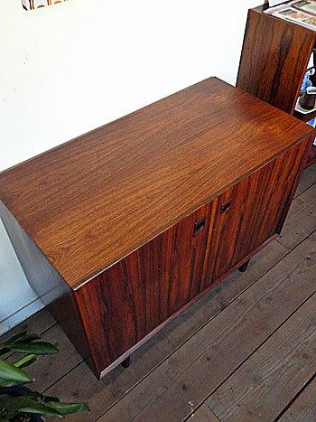 sideboard_c0139773_18541686.jpg