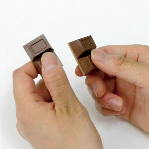 チョコレートマグネットが登場。_c0335087_11361423.jpg