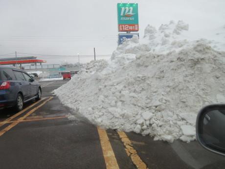 雪、やや落ちついた日_a0203003_22552129.jpg