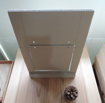 北鎌倉の家の猫の出入り口・その1_c0195909_13325930.jpg