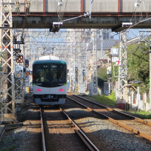 伏見で電車を撮りました。まぁ出来栄えはいつも通りのアレですわ。 京都市伏見区_c0001670_17185533.jpg
