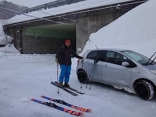 荘川の火山1379m新雪滑降_e0064783_21090174.jpg