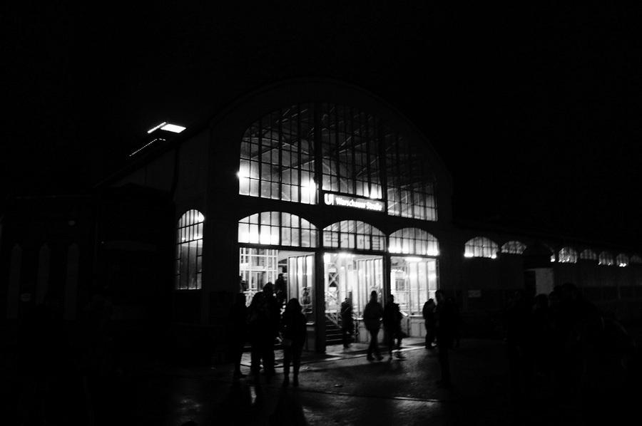 ワルシャワ通り駅からメトロに乗って。_c0180686_23371887.jpg