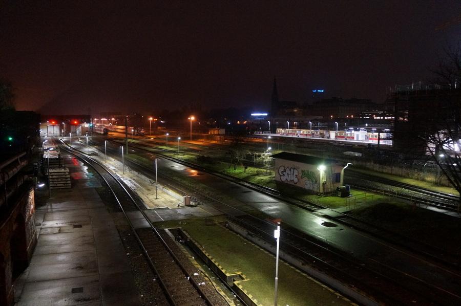 ワルシャワ通り駅からメトロに乗って。_c0180686_23381344.jpg