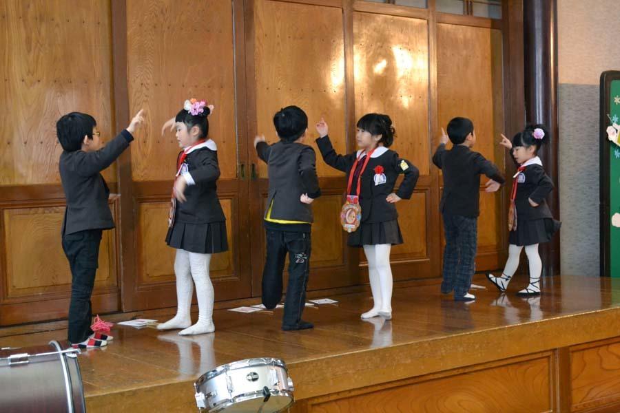 第一幼稚園 12月・1月生まれ お誕生会_d0353789_15010375.jpg