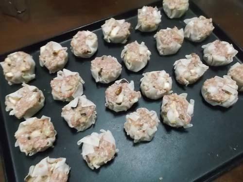 フライパンでシュウマイ&赤魚干物&煮カツ_f0019498_15420644.jpg